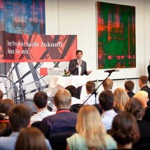 Sebastian Hartmann beim Zukunftsforum 2013