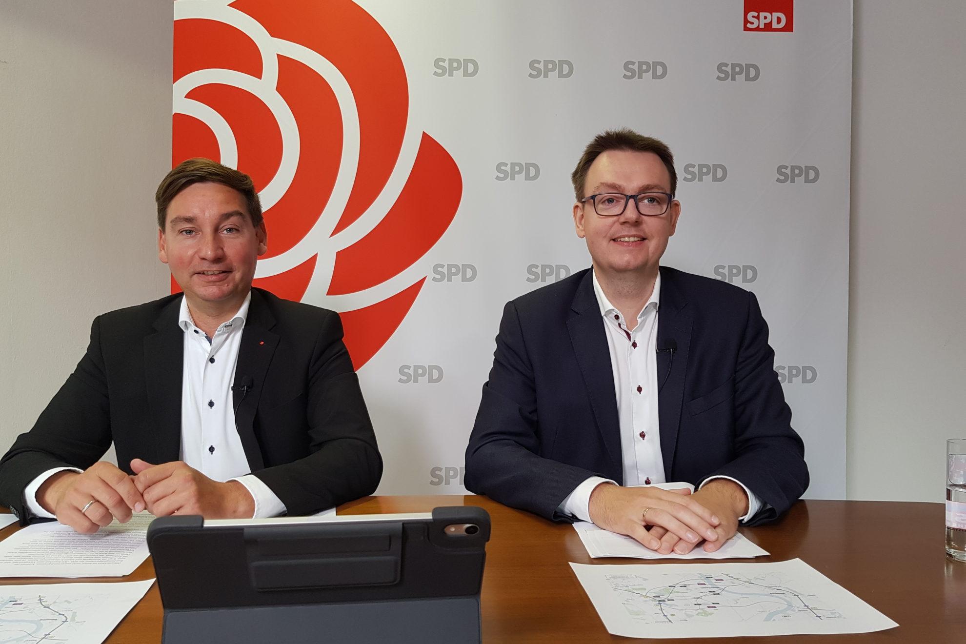 Sebastian Hartmann, MdB, und Denis Waldästl, Vorsitzender der SPD-Kreistagsfraktion